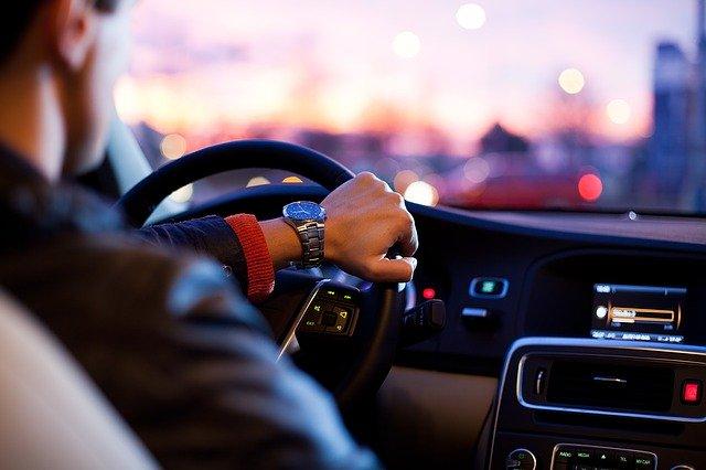 Quoi offrir à son ami qui vient de changer d'automobile?